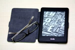 things to bring on a plane Kindle
