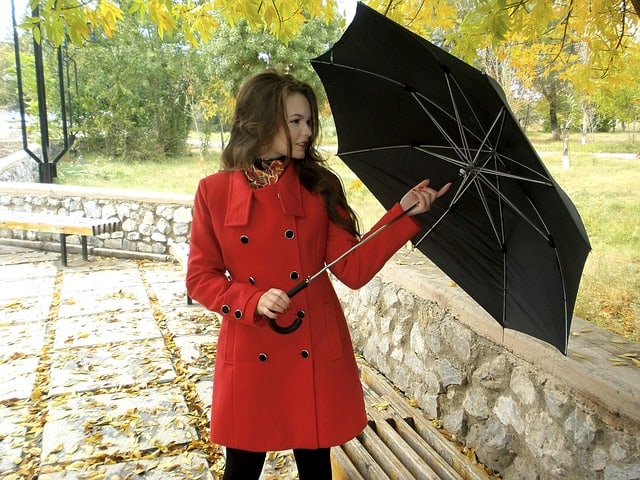Can you take an umbrella on a plane?