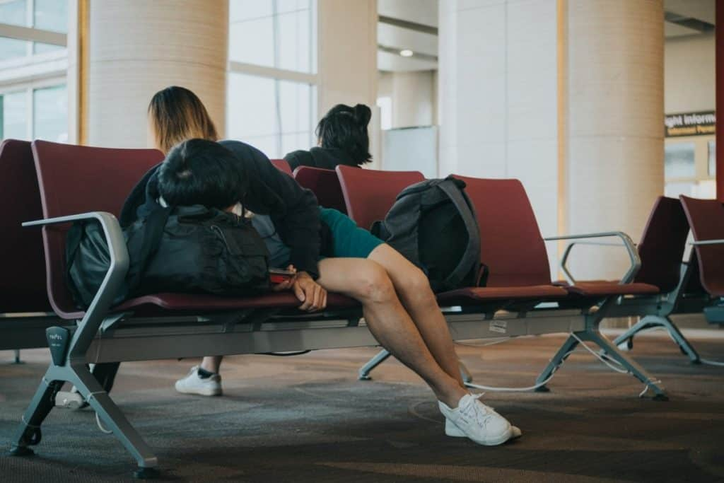 Can you sleep overnight in an airport? - airport regulations