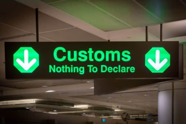 Do you have to declare prescription drugs at customs